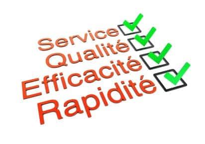 Illustration de la démarche d'évaluation qualitative avec des cases à cocher : service , qualité ...